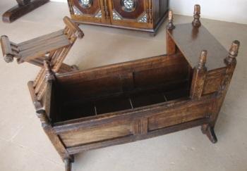 Wooden cradle 1600s