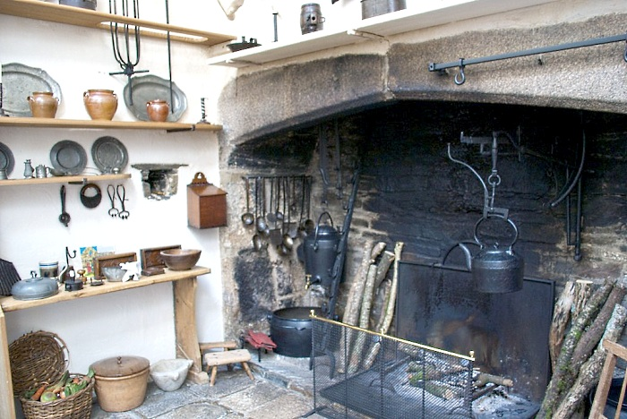 16th century kitchen fireplace - Tudor England