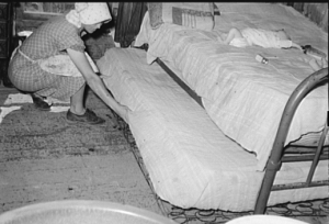 trundle bed 1930s